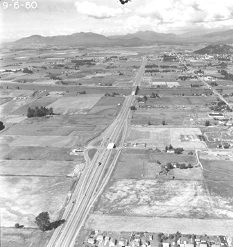 Aerial photo of I-5/College Way looking north in 1960